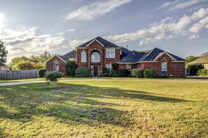 2517 Colt Lane Crowley TX 76036