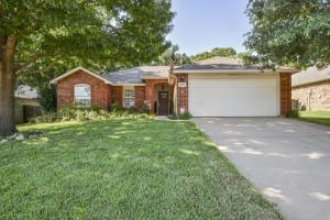 3205 Cliff Oaks Drive Corinth TX 76210