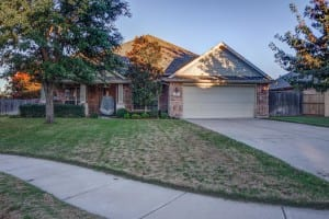 709 Twin Oaks Court Burleson TX 76028