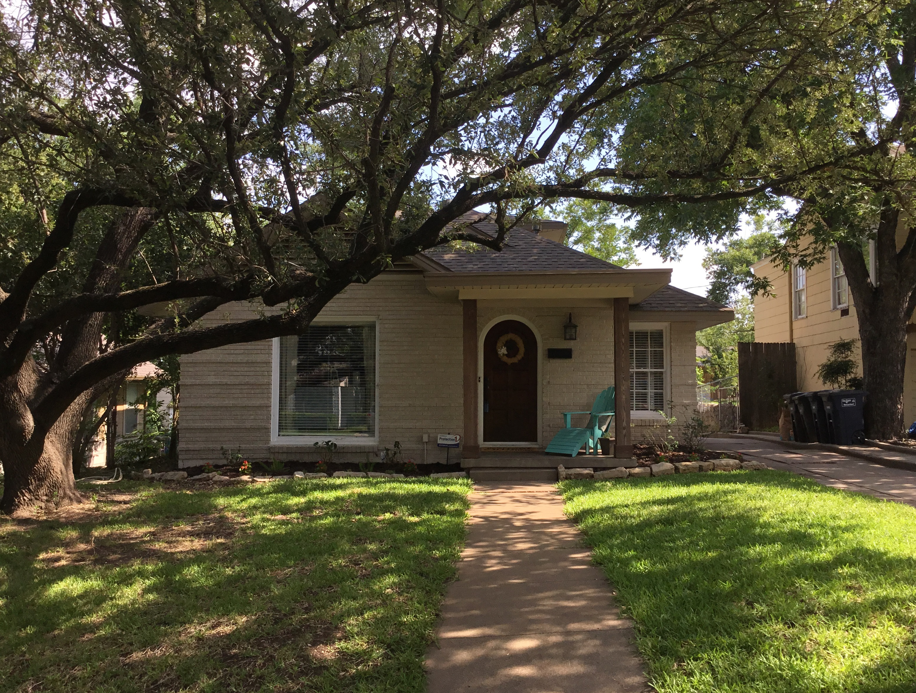4113 Locke Avenue Fort Worth TX 76107 - Team Nelson